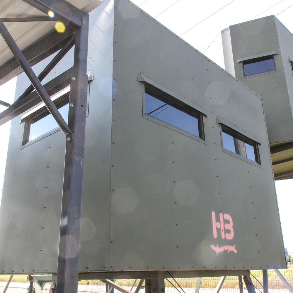 Hb-85-condo-blind-back