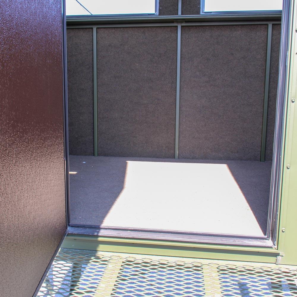 Hb-85-condo-blind-door