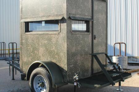 Atascosa-trailer-deer-blind-luxury-55front